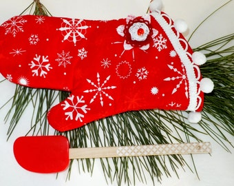 Christmas Snowflake Oven Mitt, Red Insulated Hot Pad, Holiday Baking