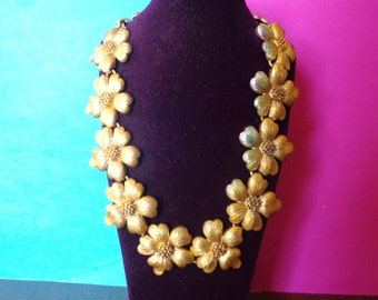 stunning FLOWER NECKLACE heavy brass gold tone vintage metal jewelry