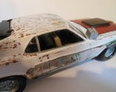 Classicwrecks Scale Model Car 1/24 ford mustang white wrecked and rusted