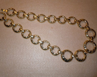 Lovelly golden Tone Metal Necklace