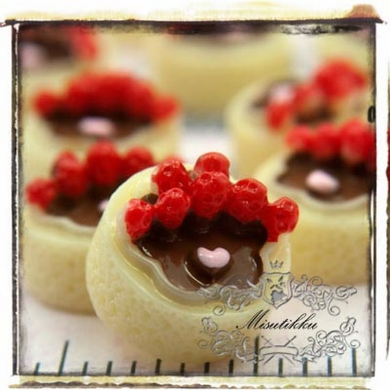 2-10 PCS X 15mm Full Size Chocolate Strawberry Cake Cabochon Kawaii Cute Sweets Cabochons Fruit Mini Food Deco Cream Phone Case Supply CK11Y