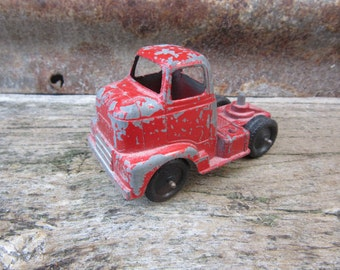 Vintage Metal Toy Truck Chippy Red Big Rig Truck International Harvester Truck 1940s-60s Era Tootsie Toys Tootisetoy Truck Cab  Chippy Paint