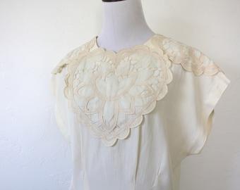 Vintage Cream Colored Applique Blouse