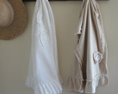 French Country Table Runner - Wedding Gift Table Runner -  Country Table Linens - Ruffled Table Runner