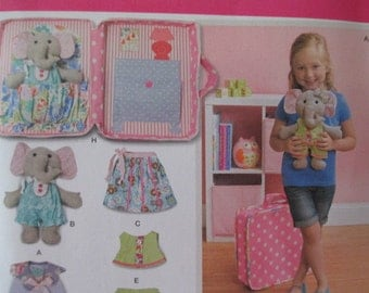 Ellie The Elephant with Clothes and Carrying Case Simplicity Pattern 1238