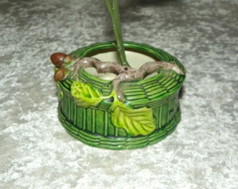 Asian Design Ikebana Small Planter Green Woven Pattern Small 3D Tree Branch with Leaves & Acorns Made in Japan