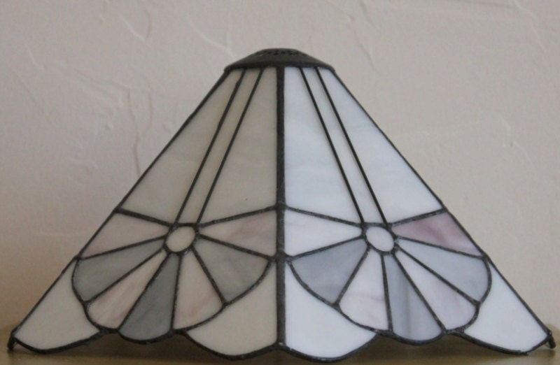 arts and crafts style stained glass lamp shade by. Black Bedroom Furniture Sets. Home Design Ideas