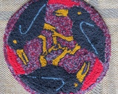 Round hand hooked wool chair mat with 3 crows.
