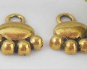 Animal Paw Charm 10 Charms Antique Gold Tone 14 x 13 mm - cc068