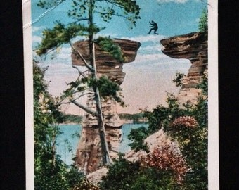 Original Antique Postcard Stand Rock, Dells of the Wisconsin River 1934