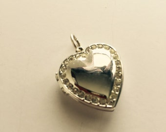 Silver Tone Heart Shaped Picture Pendant