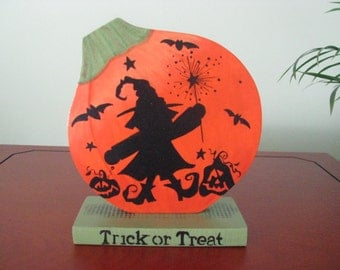 Halloween, Trick or Treat, witch, pumpkin, bats, shelf sitter, orange, green