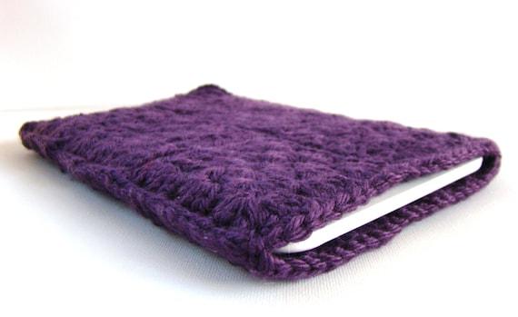 Kindle Sleeve in Granny Square Plum Crochet, Gadget Cover, Kindle Cozy, EReader Jacket, Nook Cozy, Kindle Jacket, Granny Square Cozy