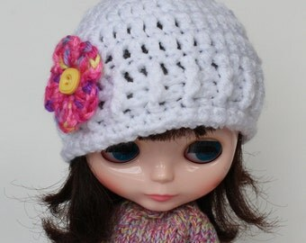 Blythe custom White Color with Pink Flower Hat. Acrylic Yarn. Crocheted