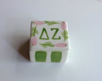 Delta Zeta Square Pin Box