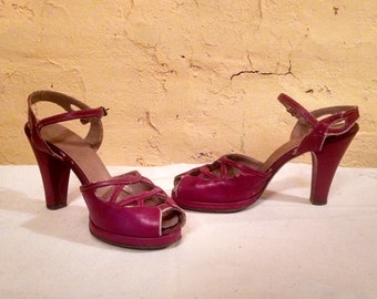 Amazing 40s Pinup Red Platform Peep Toes Classic 7