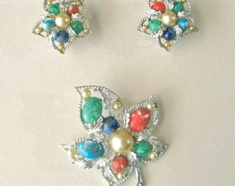 "Vintage Sarah Coventry ""Fantasy"" jewelry set w/ confetti cabochons and faux pearls"