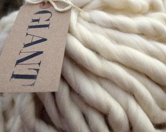 BFL- GIANT Handspun Yarn - 10,5 oz / 300 gr - Blanket Yarn - Super Chunky Yarn - Undyed Yarn - Natural Butter
