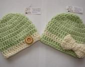 spring green twins baby hats, crochet baby boy girl set of 2 bow hat beanie green cream 0-3 months newborn shower gift, photo prop