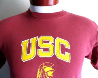 Go Trojans vintage 90's USC University of Southern California NCAA football college sports graphic t-shirt cardinal red crew neck tee small