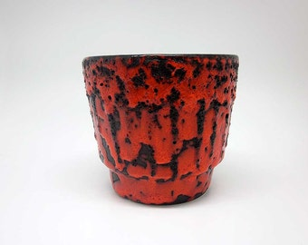 Black & red Fat Lava planter by Es Keramik
