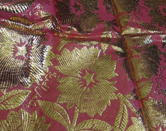 """Fabric Lovely Pink Gold Metallic Woven Floral Pattern Fabric Yardage 35"""" x 52"""" - Unused Vintage"""
