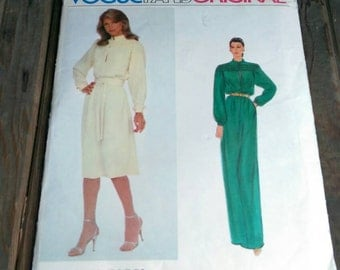 Vogue Paris Original Nina Ricci Pattern 2352 Uncut Factory Fold Original Instructions