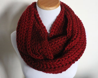 THE PYXIS - Chunky Infinity Scarf, Crochet Infinity Scarf / Deep Red