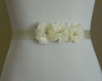 Vintage Inspired Bridal Sash,Ivory Chiffon Flower Wedding Dress Sash,Belt Ribbon,Bridesmaids,