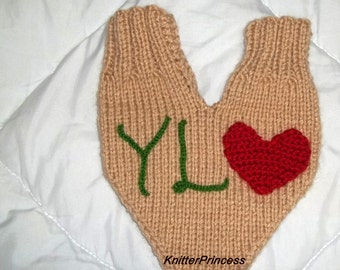 Smitten mittens, couples gloves, knitting couples gloves for him and her, gift for couples, with letters and a heart, anniversary gift