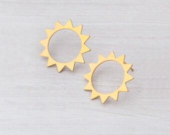 STUD EARRINGS, gold stud, sun earrings, 24 Karat plating studs, handmade, round light earrings with an edge!