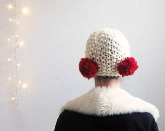 Hand knitted Pompom Hat white. Knitted white Cap White Knit Pompom hat Knitted Cap 20's inspired Chunky pompom hat, chunky knit hat