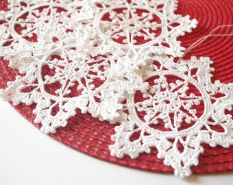 Crochet snowflake Hanging ornament Winter decorations Crochet ornaments White crochet snowflakes Handmade ornaments Festive decor S7