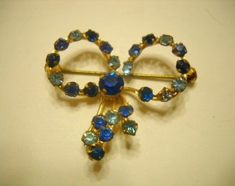 Vintage Blue Rhinestone Ribbon Brooch (5843)