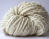 Bulky Yarn, Chunky Yarn, Blanket Yarn, Knitting Yarn, Hand Knitting Yarn, POPO Yarn,   Super Bulky Yarn, Wool Yarn, Craft,  Ivory Color Yarn