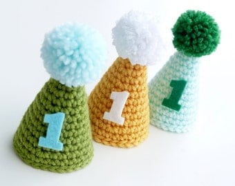 First Birthday Hat--Mini Party hat--Crochet party hat--Boy or Girl--Sweetlaceshop