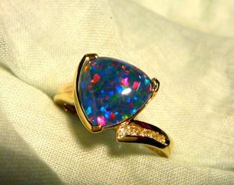 Opal Ring Ladies 14ct Yellow Gold & Diamond 10mm x 10mm Trillion Shape Triplet. item 70530.