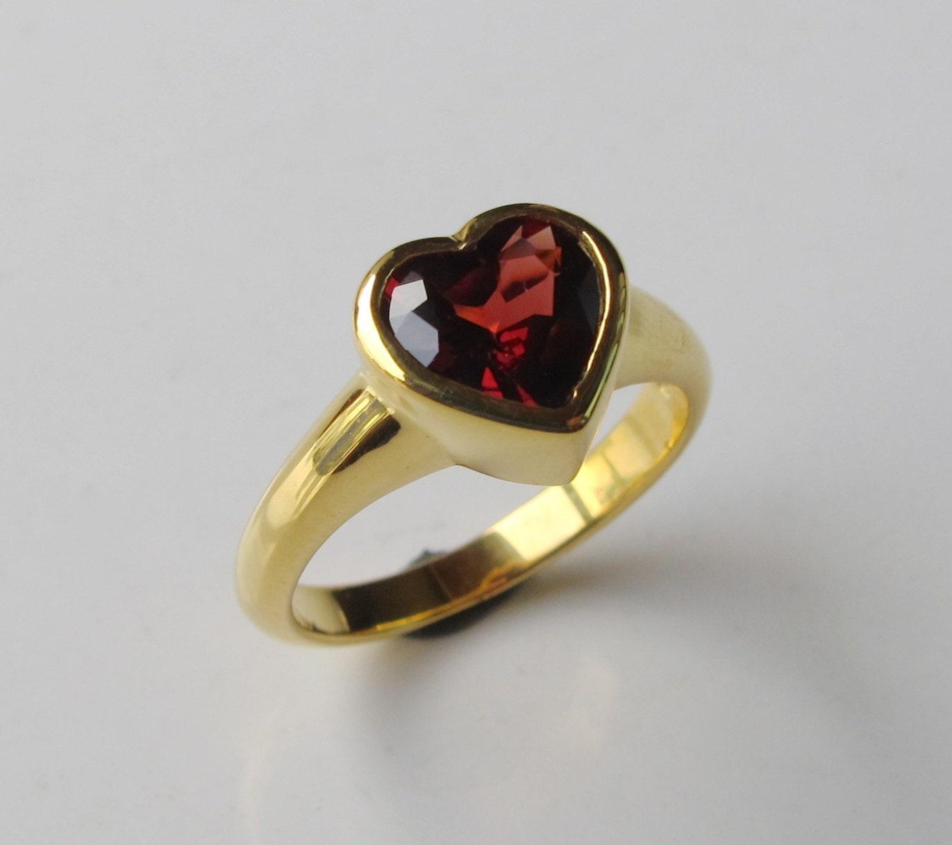 heart garnet promise ring rose gold heart ring heart. Black Bedroom Furniture Sets. Home Design Ideas
