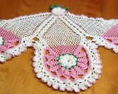 Beautiful sofa protector - handcrocheted roses - collectible - pink roses
