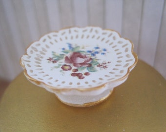 12th Scale Dollhouse Miniature Shabby Chic Cake Stand