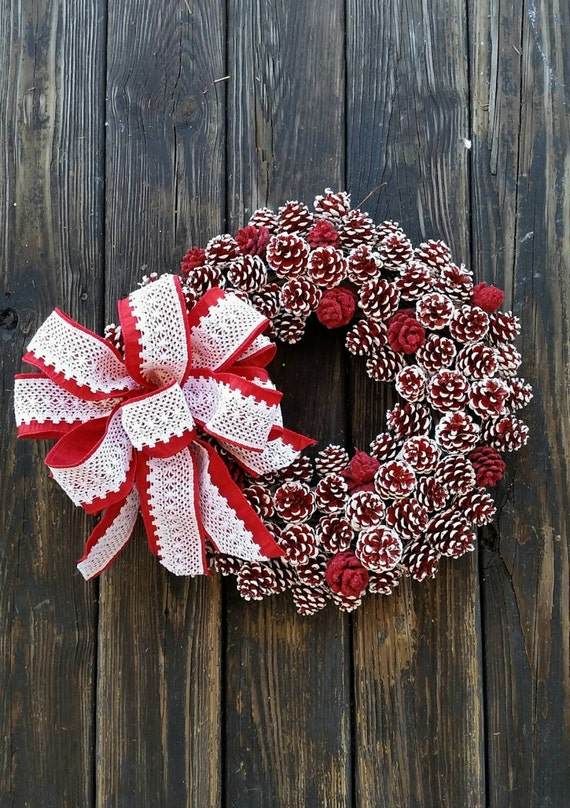Christmas wreath holiday wreath pine cone wreath red and for Pine cone door decoration