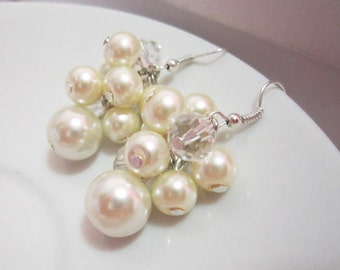 Pearl Bridesmaid Jewelry, Ivory Pearl Earrings, Cluster Earrings, Bridesmaids Earrings, Chunky Earrings, Bridesmaid Gift, Wedding Jewelry