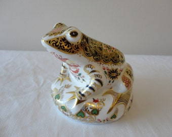 Crown Derby Old Imari Frog Paperweight