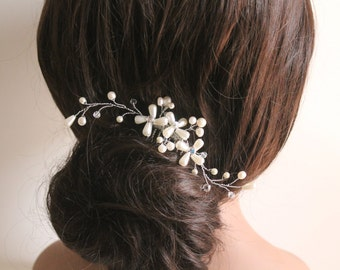 Bridal Pearls Swarovski Crystals Hair Comb, Hair Jewelry, Wedding Fascinator