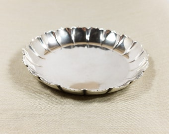 "Vintage Treasure Tiffany & Co. Sterling Silver Scalloped Edge Pattern 25021 Nut Dish Small 4.5"" Serving Dish - 119.0 grams FREE SHIPPING!"