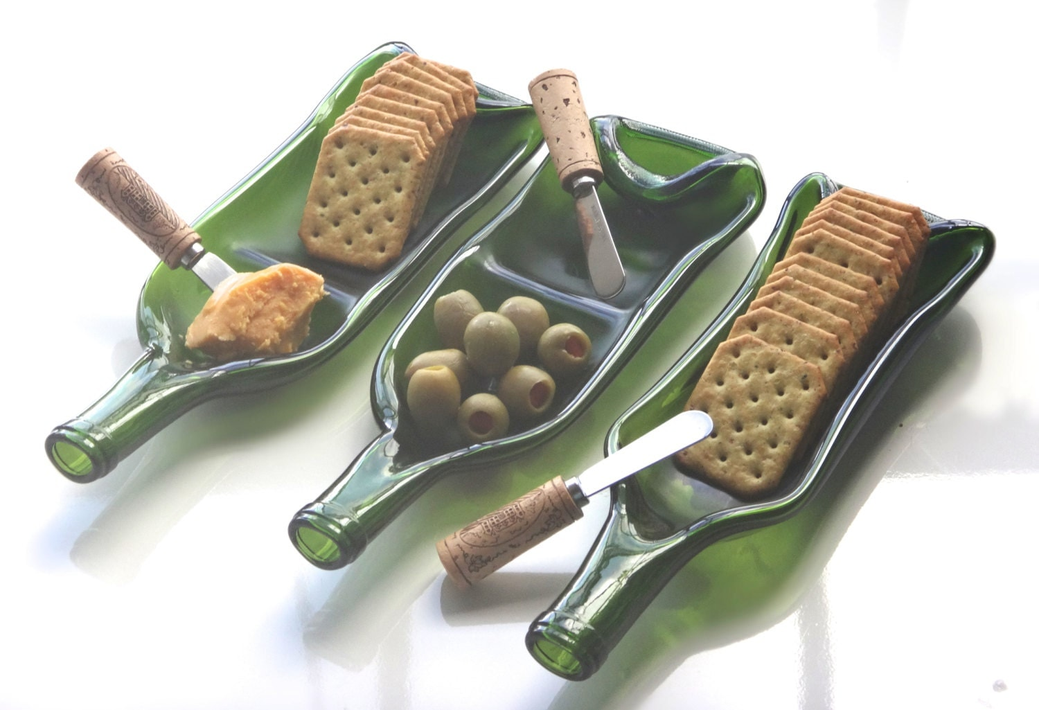 Melted wine bottle glass serving dish with cork spreader buy for Glass cutter to make glasses from bottles
