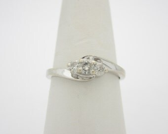 3 Stone IDEAL 14K Solid White Gold .25 Ctw  Natural DIAMOND ENGAGEMENT Ring Size 7 R362