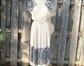 size S / 1940s linen dress with folk motif