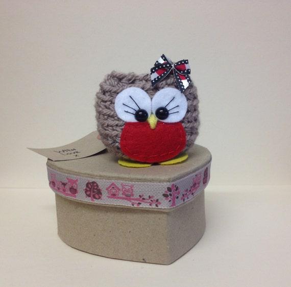 Lou the Red Robin- Amugurumi finished item comes in a box