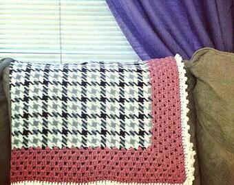 Houndstooth Crochet Fleece Blanket